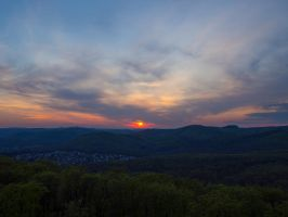 Sunset behind the Wienerwald by claystring