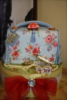 Hand Painted Bag Cake by alcat2021