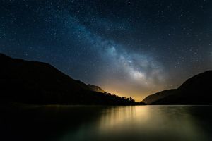 Lago Del Turano - milky way by R3ality66
