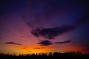 Spring sunset III by dn1w3r