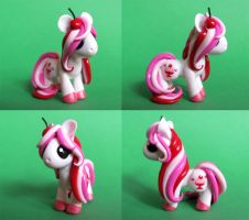 Cherry Sundae Pony by DragonsAndBeasties