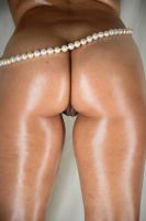 pearls 4 white lines by tgrafix