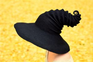 Wide Brim Black Witch's Hat by HandiCraftKate