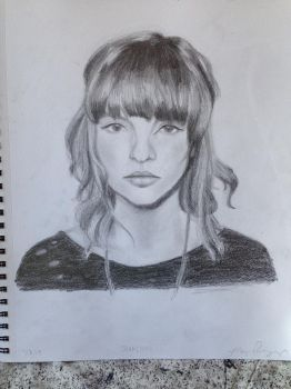 Lauren Mayberry - CHVRCHES by PensiveGiraffe