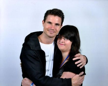 Meeting Robbie Amell by punkette180