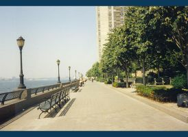 Battery Park 2 by Thaloanthe