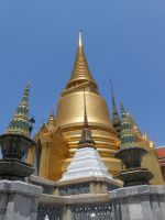Golden chedi of Wat Phra Kaew by somekindofgeri