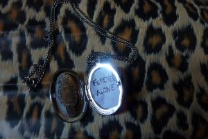 Forever Alone. by vilaine-fee