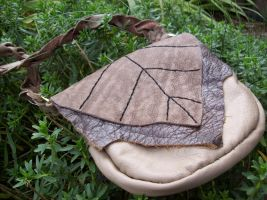 Leaf Purse by savagedryad