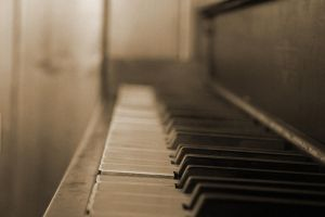 The Piano by skypho
