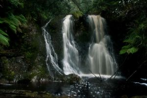 Hogarth Falls by abenham