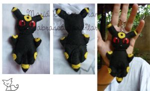 Umbreon plush by RaposaBranca