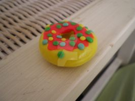 Clay Donut by peanutbuttahhh
