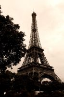 Eiffel tower by hhaa