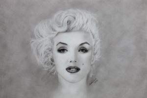 Marilyn by InnerComa