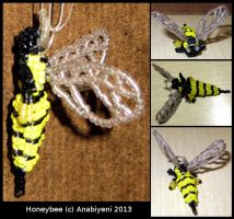 Beaded Delica Honeybee by Anabiyeni