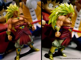 SUPER SAIYAJIN BROLY 3 figure by jeffbedash325