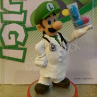 My custom Dr. Luigi amiibo by Cjunoxx