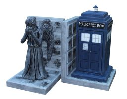 Doctor Who Bookends by Cecilia-Pekelharing