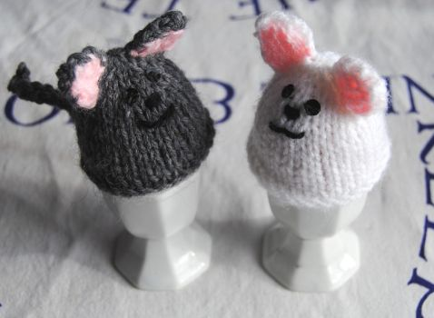 Kitty Cat Egg cosies by themagpiesnest
