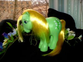 MLP Custom : Alt Lily of the V by marienoire