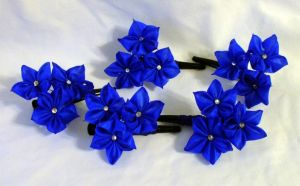 Silk kanzashi hairclips by EruwaedhielElleth