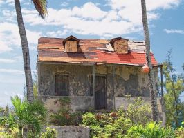 Abandoned house by peterpateman