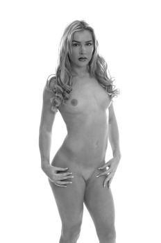 Hollie 5 bw by andyf451