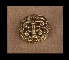 Viking style bronze brooch by fengaren