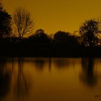 Night by the river by grotgier