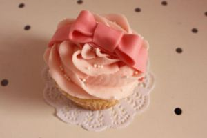 Kawaii ribbon cupcake by kathiiscribz