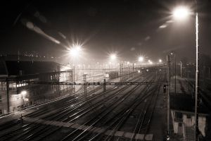 trains in the night by Majkl82
