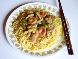 Chicken Zucchini Stir Fry with Fried Noodles by Kitteh-Pawz