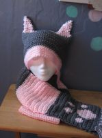 Pink Gray Cat hat scarf Set by MetoriasProjects