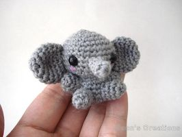 Pocket Elephant by MoonYen