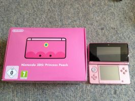 My Limited Princess Peach 3DS 3 by Yoshi9288