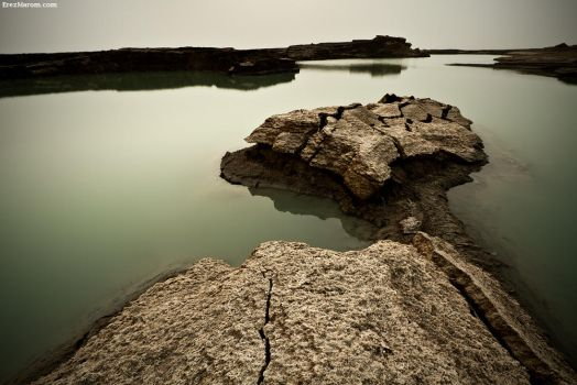 Cracked Earth by erezmarom