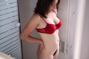Manon's red bra by Who-Is-Chill