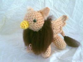 Cornmeal and Brown Gryphon by hollyann