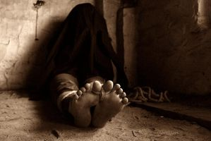 Kidnapped barefoot person dead by dikof