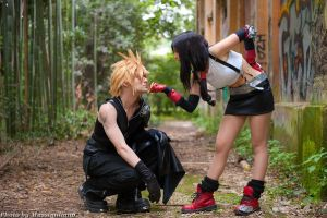 Tifa and Cloud Cosplay by Eyes-0n-Me