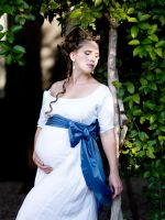 Linen smock with blue bow by Cuddlyparrot