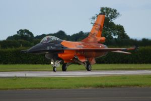 Dutch F16 by hanimal60