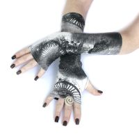Ferris Wheel fingerless gloves by WearMeUp