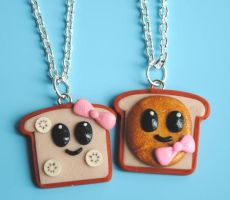 PB and Banana Toast Necklaces by ClayConnections