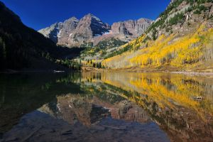 Maroon Bells by porbital