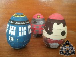 Doctor Who Papercraft, Easter Eggs ... TERMINATE ! by HellswordPapercraft