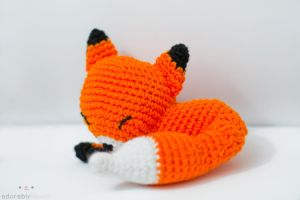 sleepy fox 2 by tinyowlknits