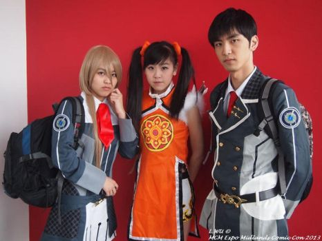 Ling Xiaoyu with Starry Sky Students by WuCosplay