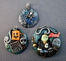 Halloween Pendants and Pin by MandarinMoon